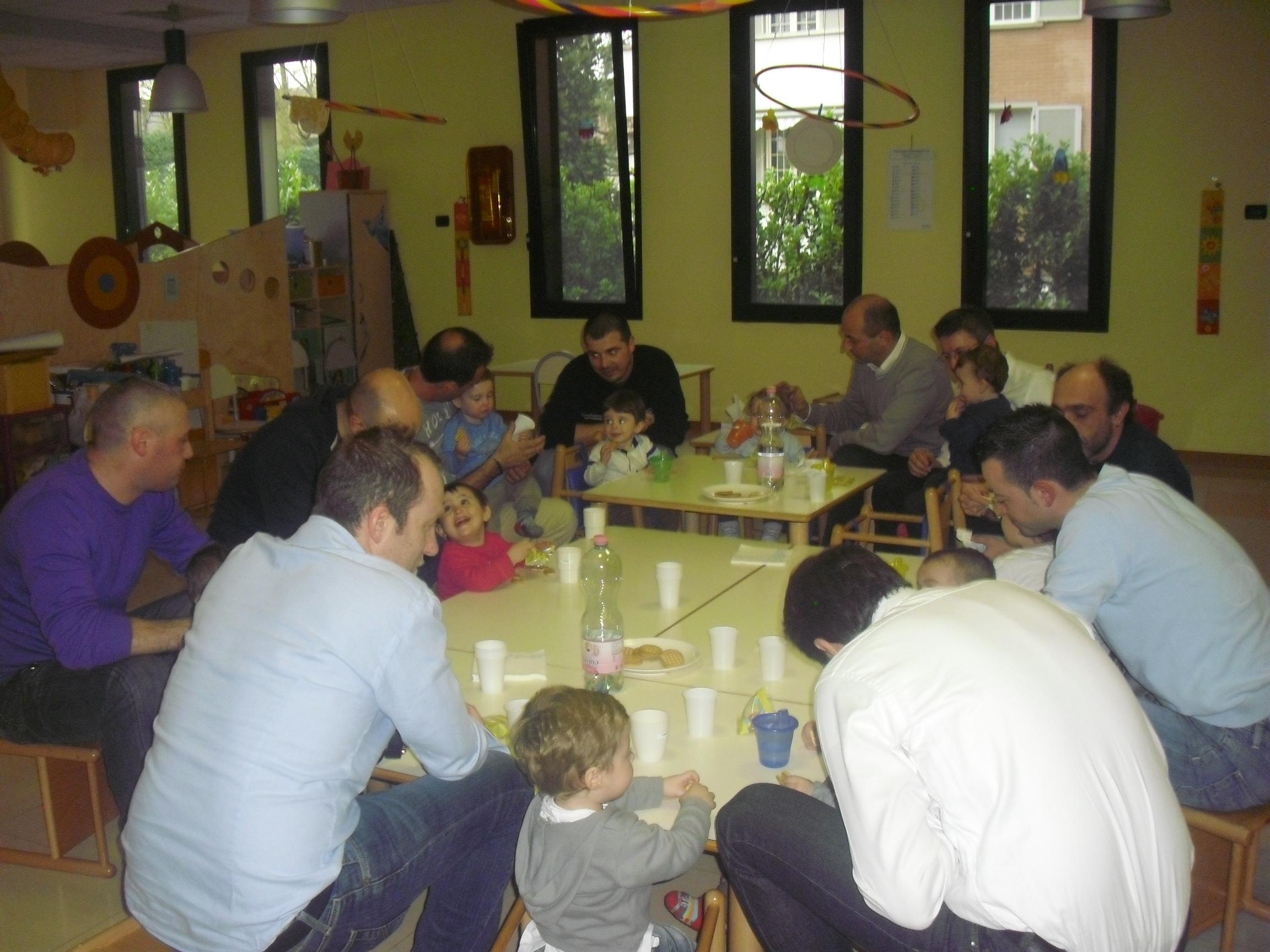 Festa del papa asilo nido la trottola for Arredamento asilo nido usato